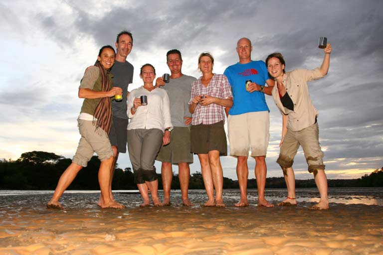 The-epic-adventurers-–-Lake-Turkana-Nov-2015-(Photo-credit--Lorna-Buchanan-Jardine)