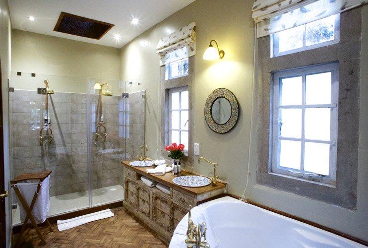 The-Safari-Collection-Edd's-bathroom